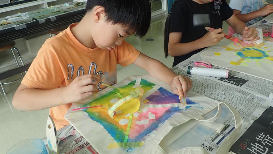 【SPプログラム】〇シールとマステから作るオリジナルバッグ作り(写真)